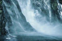 Lugares del paraíso en Nueva Zelanda/el lago Teanua/Milford Sound Imagen de archivo libre de regalías