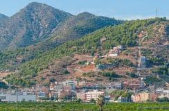 Lugares vivos rústicos & ásperos mas bonitos na Espanha rural Casas nos montes & nas montanhas da Espanha rural imagem de stock
