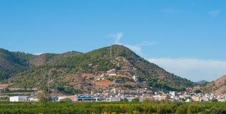 Lugares vivos rústicos & ásperos mas bonitos na Espanha rural Casas nos montes & nas montanhas da Espanha rural imagens de stock