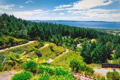 Lugebahn und Panoramablick von Rotorua-Stadt lizenzfreies stockfoto