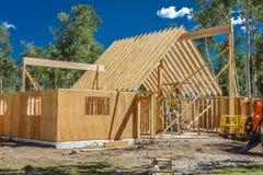 14 luglio 2016 - costruzione di una casa di legno 'di A' di proprietà dal fotografo Joe Sohm, Ridgway, Colorado Immagine Stock