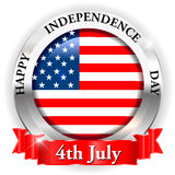4 luglio festa dell'indipendenza felice sul distintivo di U.S.A. con il nastro illustrazione di stock