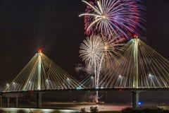 4 luglio fuochi d'artificio di celebrazione di indipendenza di U.S.A., Alton Fotografia Stock Libera da Diritti