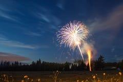 4 luglio fuoco d'artificio, stile country Fotografia Stock