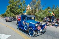 4 luglio 2016 - i cittadini di Ojai la California celebrano la festa dell'indipendenza - automobile antica Fotografia Stock Libera da Diritti
