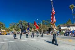 4 luglio 2016 - i cittadini di Ojai la California celebrano la festa dell'indipendenza - guardia di onore della parata di inizio  Fotografie Stock Libere da Diritti