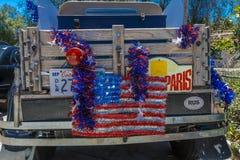 4 luglio 2016 - i cittadini di Ojai la California celebrano la festa dell'indipendenza, vecchio camioncino Immagini Stock Libere da Diritti