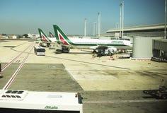 29 luglio 2015: Jet messo in bacino in aeroporto internazionale Fotografia Stock