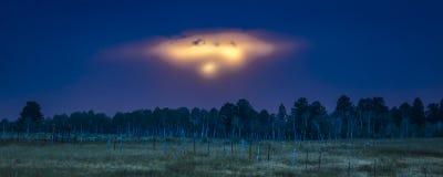 luglio 2017, MESA di HASTINGS - tramonto del tipo di UFO sopra la MESA di Hastings, fra Ridgway e tellururo Doppio, paesaggio immagine stock