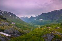 24 luglio 2015: Panorama del Geirangerfjord, si del patrimonio mondiale Fotografie Stock