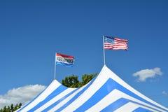4 luglio tenda dei fuochi d'artificio a Salem, Oregon immagini stock