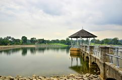 Lugn på lägre Peirce behållare, Singapore arkivfoton