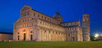 Lugna afton på deien för Il Campo Miracoli - The Field av mirakel i Pisa, Italien Royaltyfri Foto
