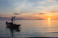 Lugna hav och himmel under solnedgång Arkivfoto