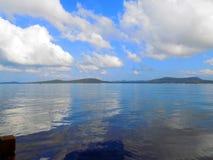 Lugna hav under härlig dag Royaltyfri Foto