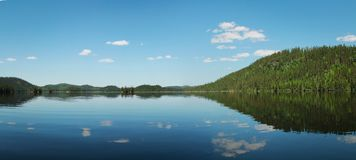 Lugna sjö i Kanada Royaltyfri Fotografi