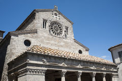 Lugnano in Teverina (Italië) - Oude kerk stock afbeelding