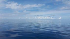 lugnat hav Arkivfoton