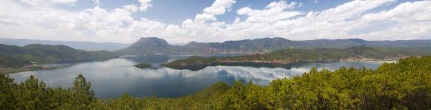 Lugu sjö i Yunnan, Kina Fotografering för Bildbyråer