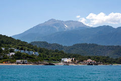 Lui mare e le montagne in Turchia Immagini Stock Libere da Diritti