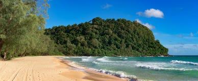 Lui Strand op het tropische Eiland van Koh Rong Samloem stock fotografie