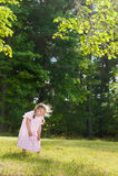 Luid lachen van het meisje uit stock foto's