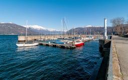 Luino, neuer Hafen Stockbilder