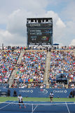 Luis Armstrong Stadium chez Billie Jean King National Tennis Center pendant l'US Open 2014 doubles d'hommes sont assortis Photo libre de droits