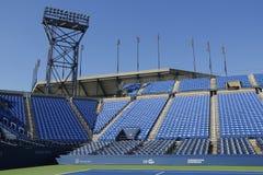 Luis Armstrong Stadium på Billie Jean King National Tennis Center som är klar för US Openturnering Arkivfoton