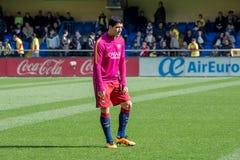 Luis Suarez si scalda prima della partita di Liga della La fra il Villarreal CF ed il FC Barcelona Fotografia Stock