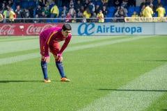 Luis Suarez värmer upp före den LaLiga matchen mellan Villarreal CF och FCet Barcelona på El-madrigalstadion Royaltyfri Foto