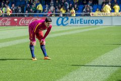 Luis Suarez wärmt vor dem La Liga-Match zwischen Villarreal CF und FC Barcelona am EL-Madrigal-Stadion auf Lizenzfreies Stockfoto