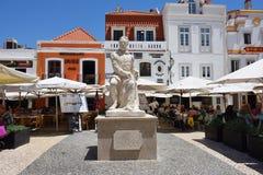 Luis Vaz de Camoens staty i Cascais, Portugal royaltyfri fotografi
