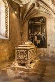 Luis Vaz de Camoes Tomb en la iglesia del monasterio o de la abadía de Jeronimos en Lisboa Imágenes de archivo libres de regalías