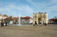 Luisenplatz en de Poort van Brandenburg in Potsdam Stock Fotografie