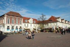 Luisenplatz en de straat van Brandenburg in Potsdam Royalty-vrije Stock Afbeelding