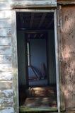 Luisiana abandonó a casa 07 que miraban en la puerta Fotos de archivo libres de regalías