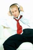 Luister aan muziek royalty-vrije stock afbeelding