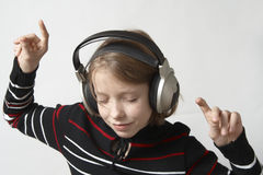 Luister aan muziek Stock Foto's