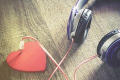 Luister aan uw hart royalty-vrije stock afbeelding