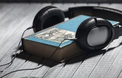 Luister adudiobooks stock foto
