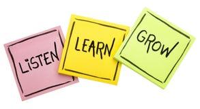 Luister, leer, groei - raad of herinnering stock afbeeldingen