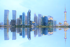 Lujiazui Finance&Trade Zone der Shanghai-Skyline Stockfotografie