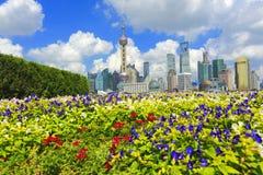 Lujiazui Finance&Trade zon av Shanghai gränsmärkehorisont på nytt Arkivbild