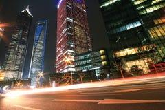 Lujiazui Finance&Trade Zone modernen städtischen Architektur backgro Lizenzfreies Stockfoto