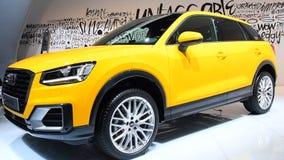 Lujo SUV de la cruce del acuerdo de Audi Q2 metrajes