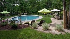 Lujoso en la piscina de tierra Imágenes de archivo libres de regalías