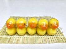 Luk Chup - doce diminuto tailandês feito do grão-de-bico e do açúcar que vitrificam com gelatina Foto de Stock