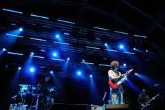 Luke Jenner sångare av hänryckningmusikbandet Arkivfoton