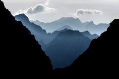 Lukjna通行证在日落前的特里格拉夫峰国家公园 库存照片